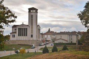 1024px-Nouveau_village_d'Oradour-sur-Glane